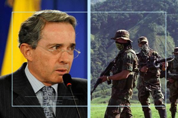 Uribe y paramilitares